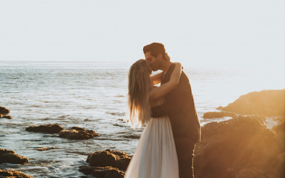 How to Move On So You Can Attract Extraordinary Love NOW!